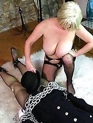 Busty mom enjoys to play with dildo