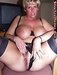 Busty amateur knows how to play with her hot pussy